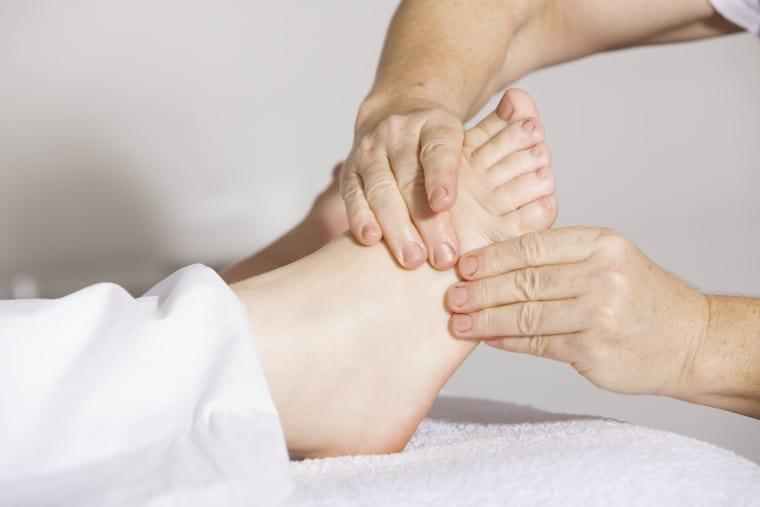 massage feet