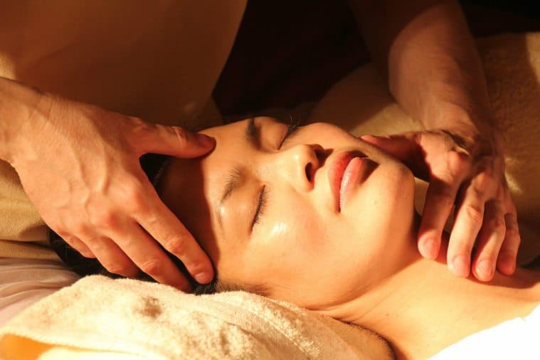 facial massage techniques