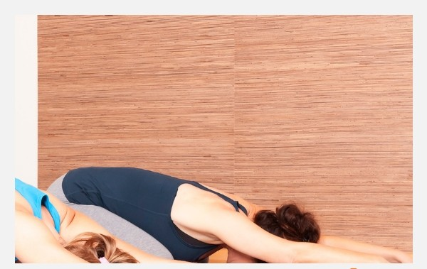20 beginners yoga poses anyone can do (1)