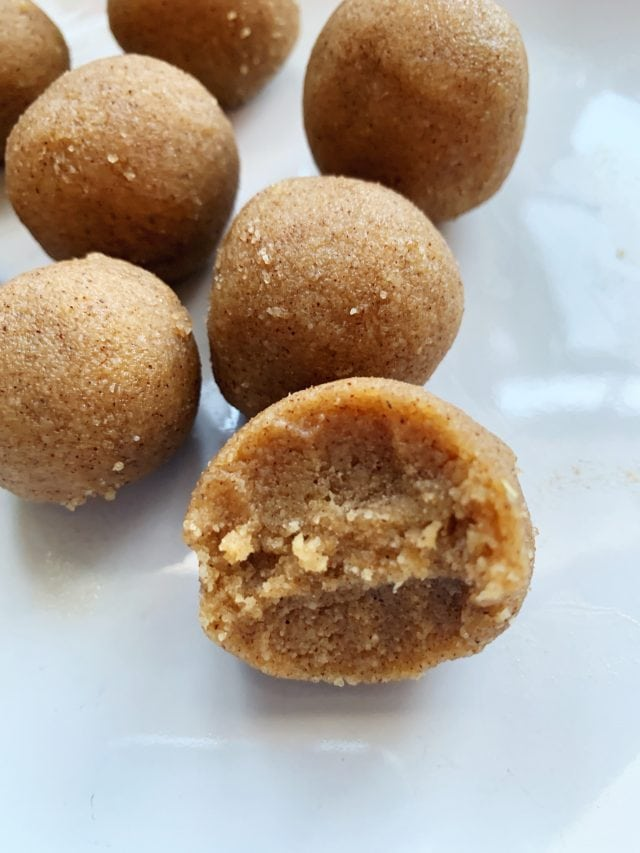 Gingerbread Keto Fat Bombs