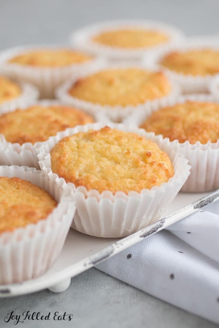 Sour Cream Vanilla Keto Cupcakes