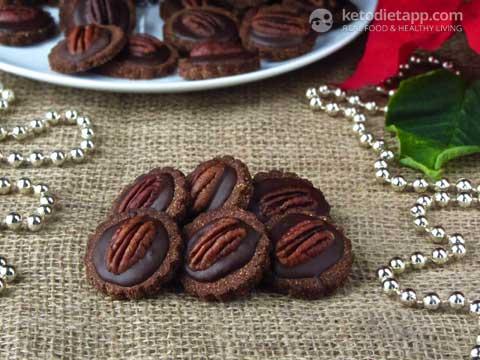 Keto Chocolate and Pecan Cookies