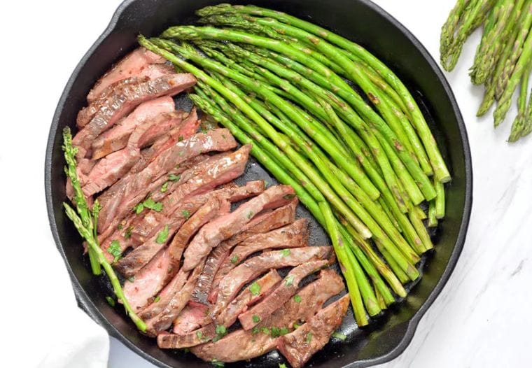 Steak With Garlic Butter Asparagus