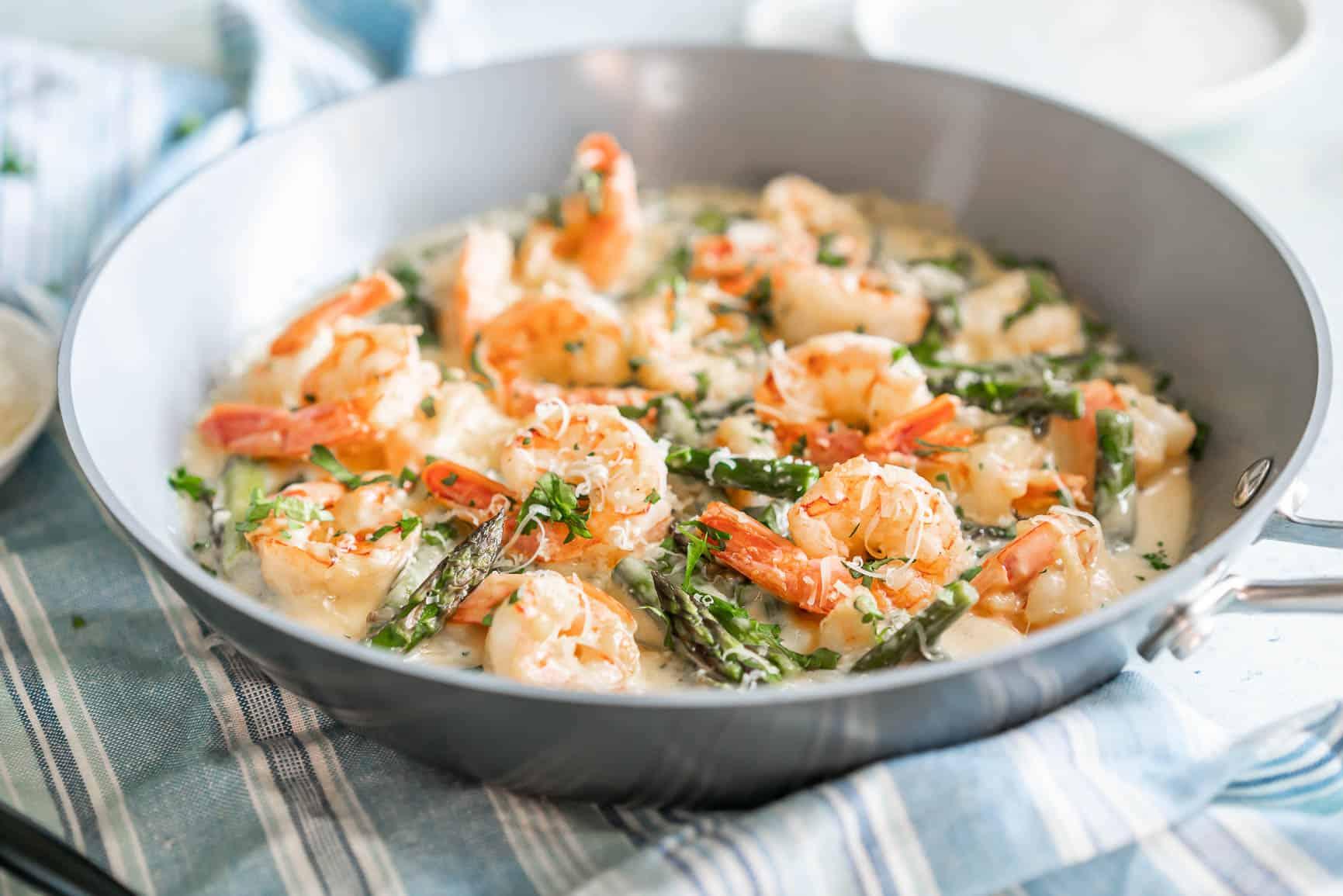 Creamy Asparagus and Shrimp Alfredo