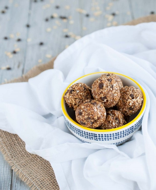 Peanut Butter Oatmeal Cookie Protein Balls