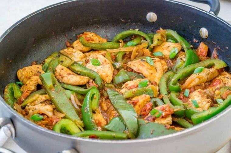 Garlic Chili Chicken & Peppers Stir Fry